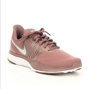 Nike In Season TR 8 Premium Training sneaker